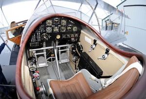 boeing_40_cockpit