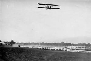 1910_Model_B_racing_auto_Milwaukee