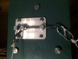Brodak Stooge release mechanism